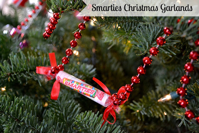 Mommy Testers #IAmASmartie Smarties Christmas Garland  DIY Craft