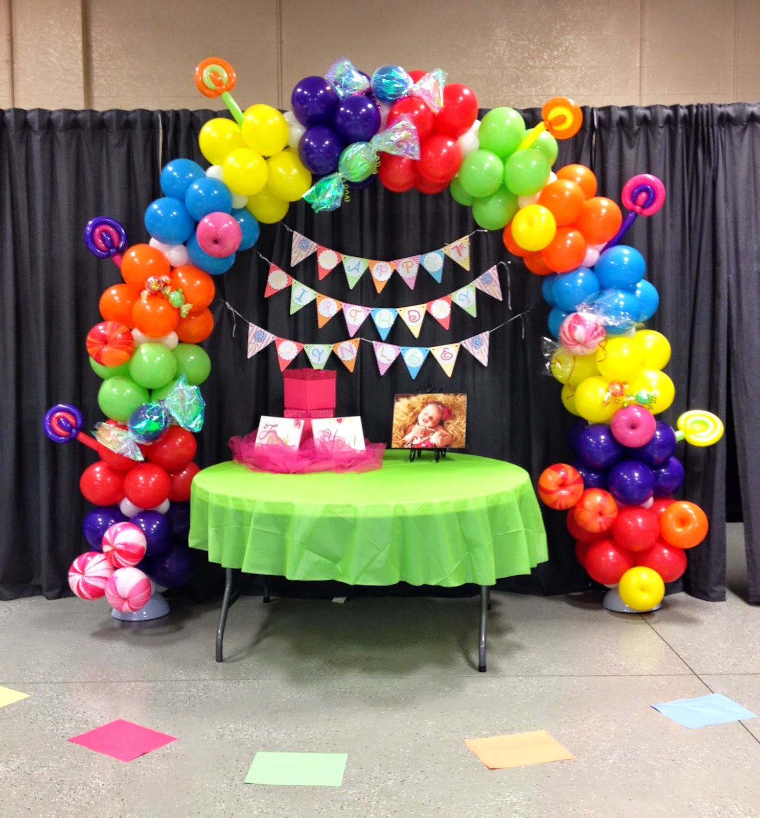 Party people event decorating company candyland balloon arch for Balloon decoration images party