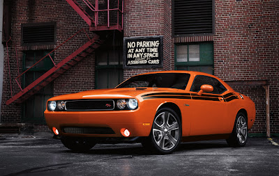 Dodge Challenger 2013 Sports Sedan Car Exterior Photos and Wallpapers