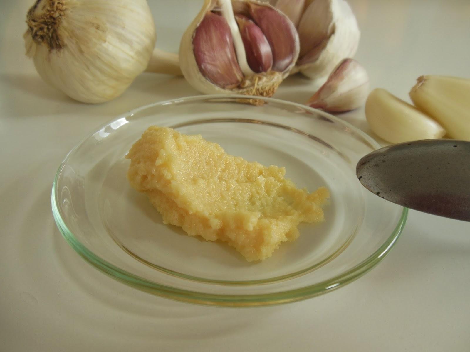 Česneková pasta