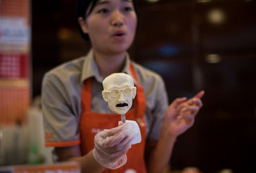 Sorveteria chinesa vende picolé na forma de criminoso de guerra japonês