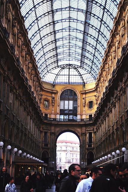 russian fashion blogger in Milan
