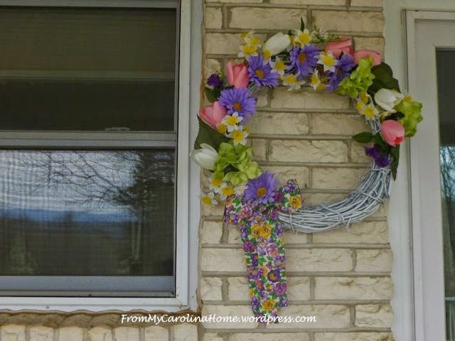 https://frommycarolinahome.wordpress.com/2014/04/06/spring-wreath-tutorial/