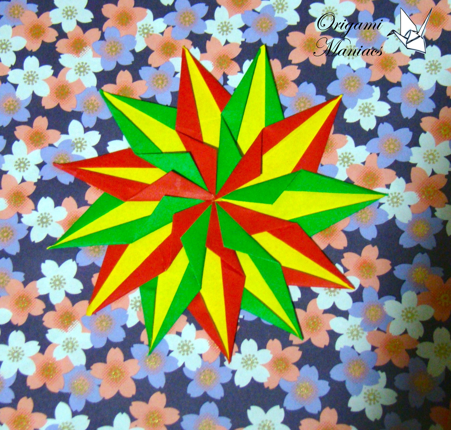 Origami maniacs origami mandalas for christmas trees - Arbol de navidad origami ...