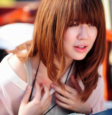 Model rambut panjang untuk wajah bulat wanita asia