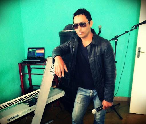 BRASIL: Contrate o cantor Gil Amarante para sua cidade.