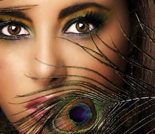 Abhi Es Taraf - Love Shayari