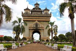 Patuxai el arco del triunfo de Vientian