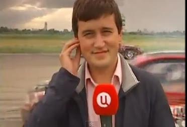 joven reportero ruso es atropellado mientras da las noticias