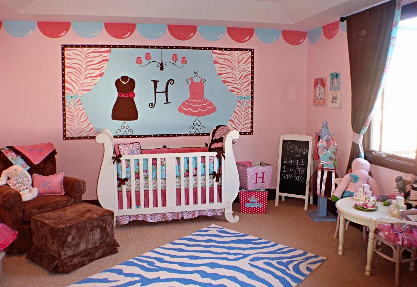 Déco chambre bébé fille photo   bébé et décoration   chambre bébé ...