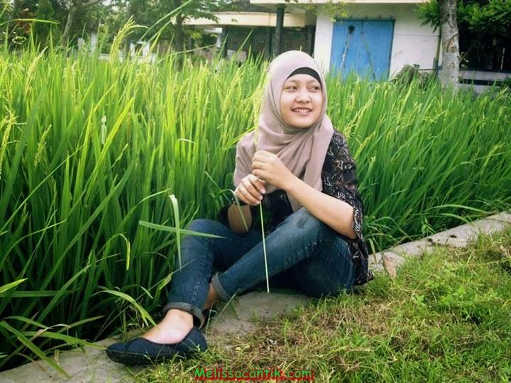 cewek jilbab telanjang di kebun fotongentot org