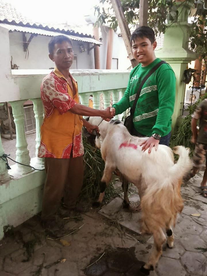 Perayaan Idul Adha 1434 H Mahasiswa Teknobiomedik Universitas Airlangga