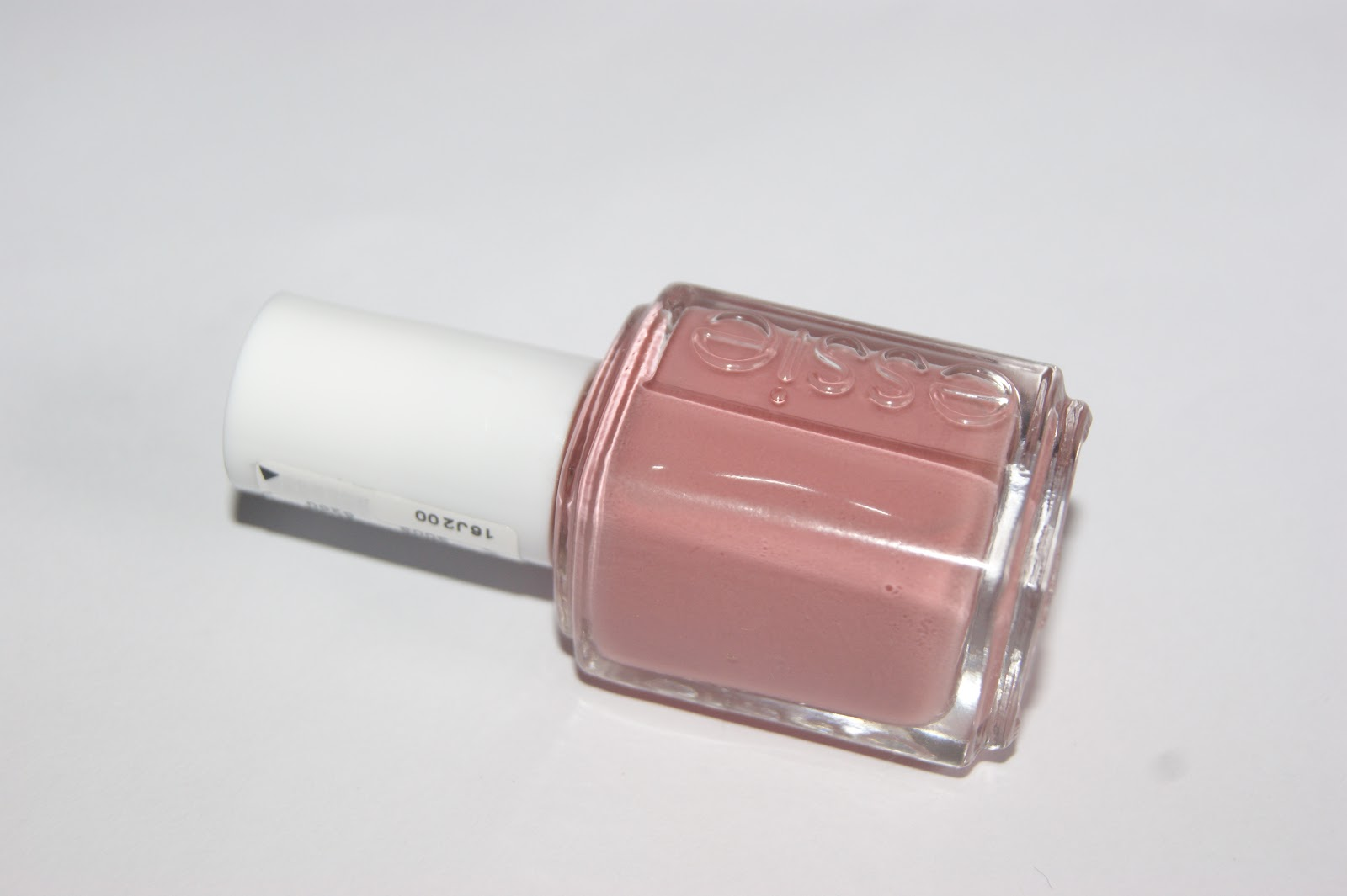 Essie Eternal Optimist Nail Lacquer - Review | The Sunday Girl