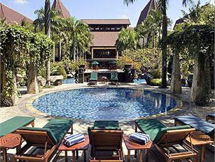 Novotel Surabaya Hotel Terletak Dikawasan JlNgagel Cukup Dekat Dengan Bandara Internasional Juanda Yakni 673 Km Dari