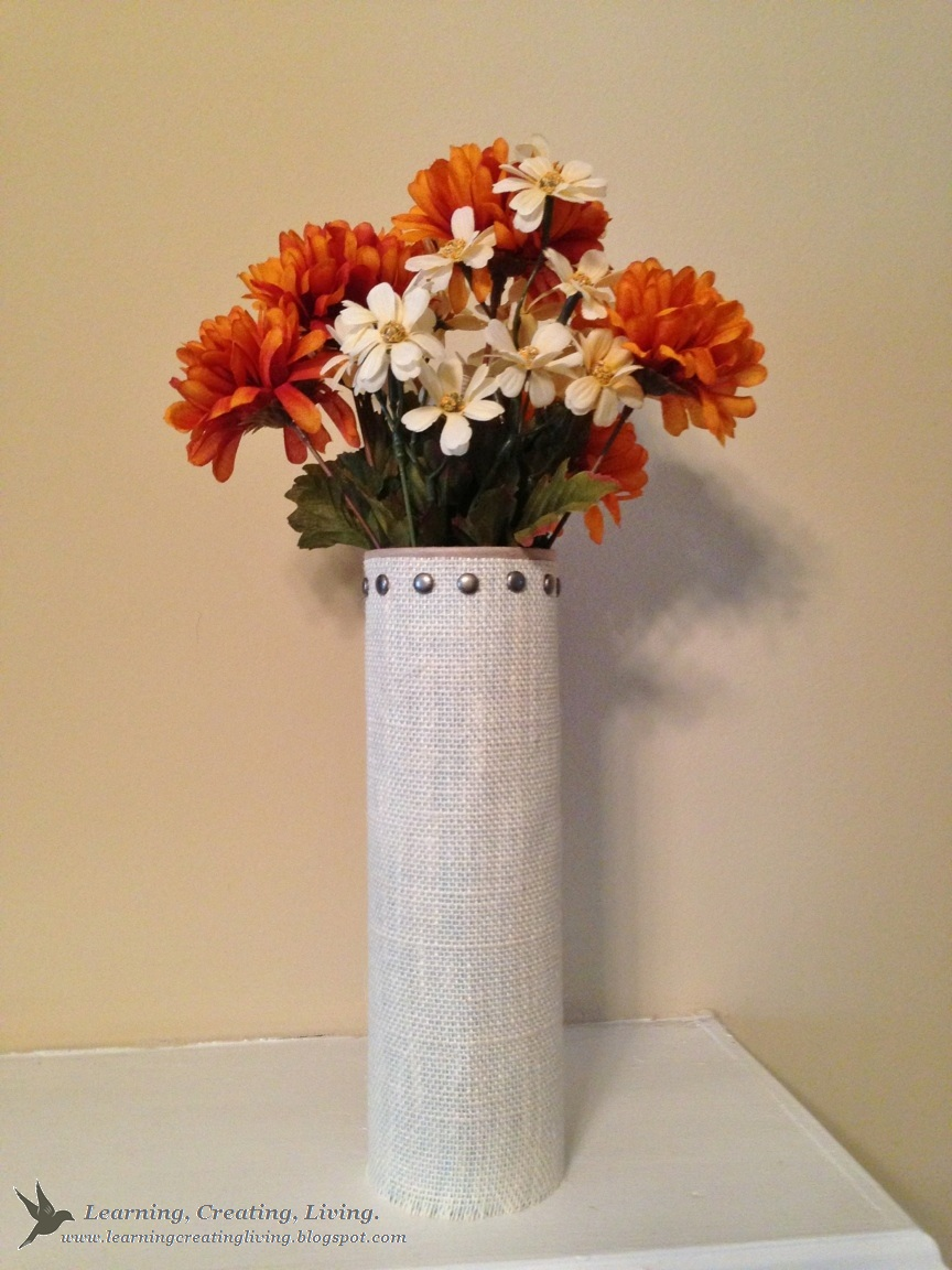 Pringles can turned into a flower vase katelyn chantel blog there ya go a pretty flower vase next time you see a pringles can youll know exactly what to do with it reviewsmspy