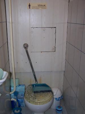 WC hátfal csere