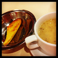 Garlic bread and mushroom soup from hot tomato @ somerset 313