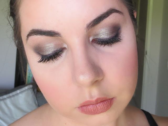 a picture of Cosmic Smoke makeup look ; Urban Decay Naked Smoky Palette