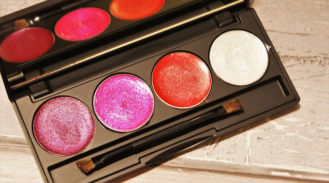 Scream & Pout Glitterbomb Be-Jewelled Lip Palette