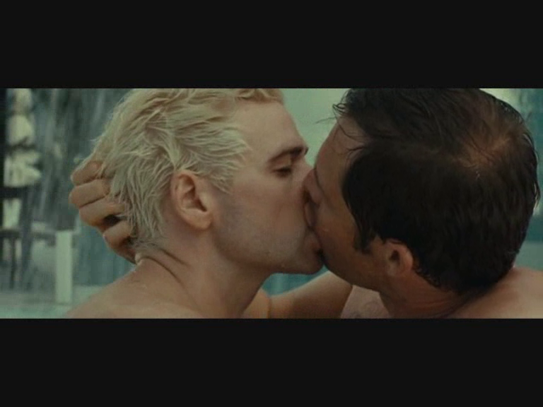 Paul Sculfor & A Gay Kiss. Da Di Di Hollywood