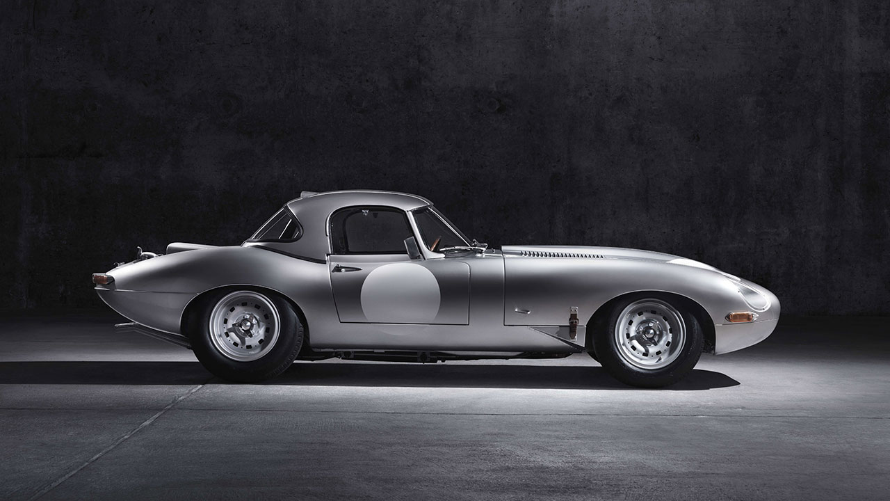 Jaguar Lightweight E-Type side