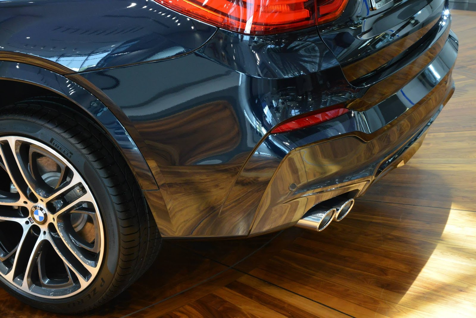 Bmw X4 M Sports In Melbourne Red And Carbon Black Carscoops