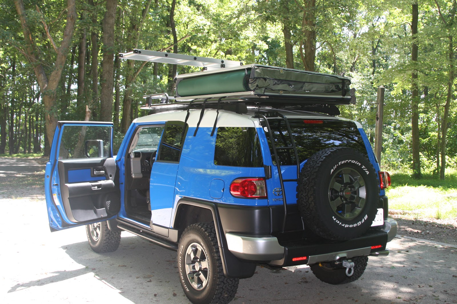 This tent is exactly the same as the ARB Simpson II. Mounting to the ARB touring rack is a little tough because the rack mounts so close to the roof. & My FJ Cruiser: Roof Top Tent