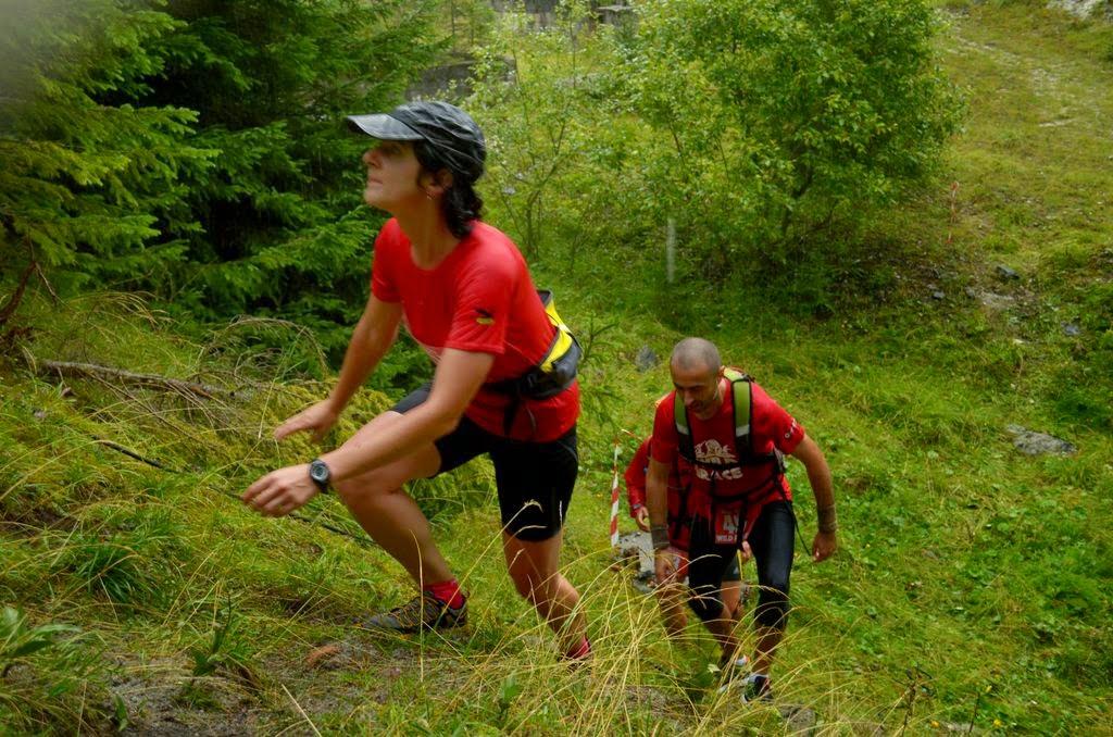 Runsilvania WILD RACE. Competiţie de alergare montană, gulaş, bere şi Răchiţele. O excursie frumoasă la munte. Prima pantă serioasă