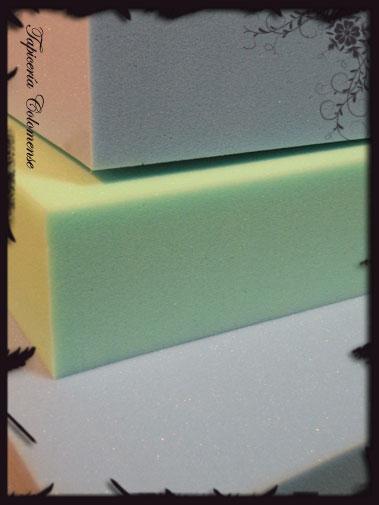 Servicio de tapicer a diferentes calidades de espumas for Espuma a medida barcelona
