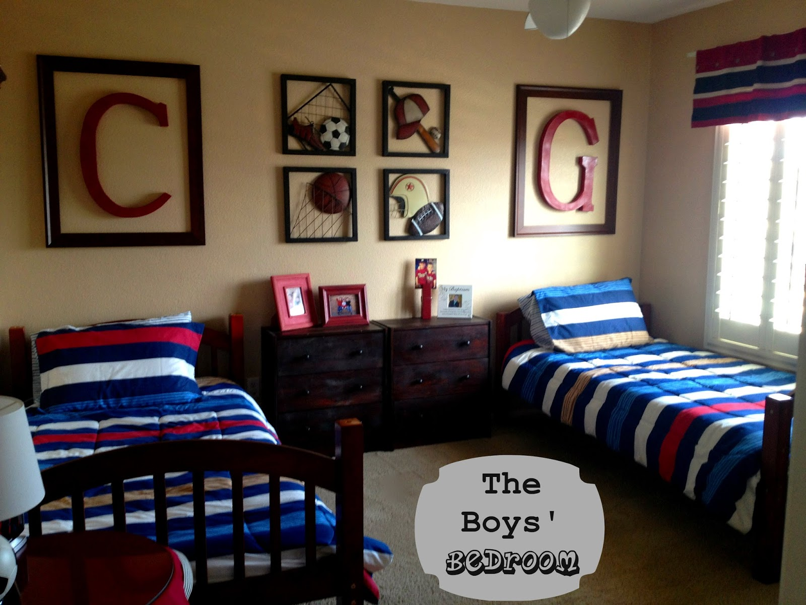 Marci coombs the boys 39 sports themed bedroom for Boys room designs