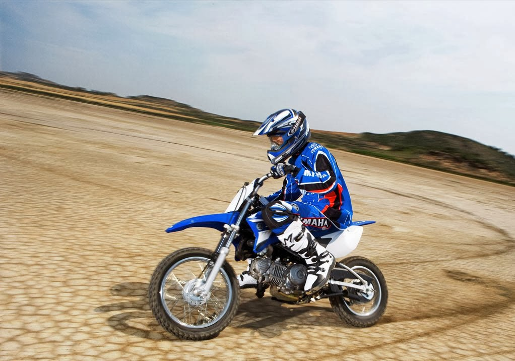 Yamaha YZ450F Dirt Rider Motorcycle Images