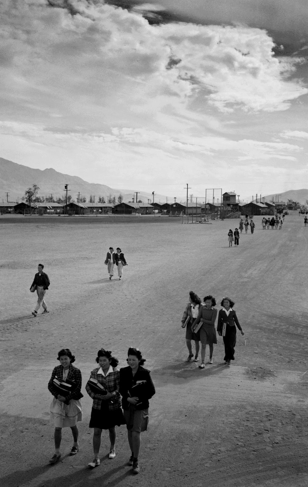 one hundred views of the world farewell to manzanar book review farewell to manzanar book review