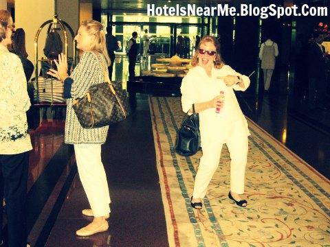 Hotels near disneyland hotels near disney world hotels for Embarrassing bathroom stories