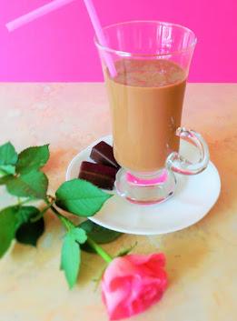 KOKTAJL BANANOWO-czekoladowy z nutą aromatycznej kawy