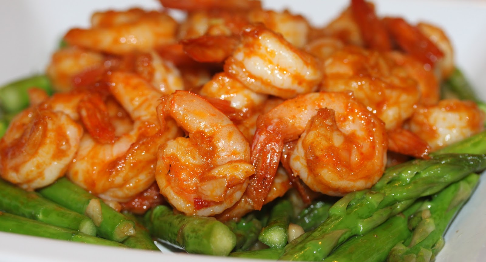 Simply Lecker: Stir Fry Asparagus and Shrimp with Thai Red Curry Paste