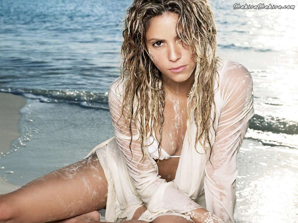 http://1.bp.blogspot.com/-UWkchEu0HvI/T4SEXIYuVRI/AAAAAAAARCA/ZL5Nvl9iIGg/s1600/Shakira_HD_Wallpaper_2011-6.jpg