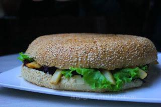 burger goliath hotel grand aston