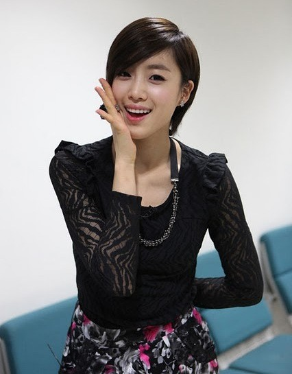 Aktris Korea Berambut Pendek  hairstylegalleries.com