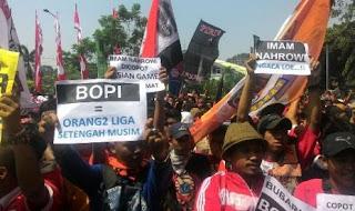 Jakmania Demo Istana Negara & Kemenpora