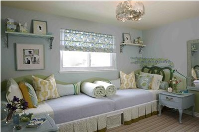 Site Blogspot  Beds on Twin Beds Placed End To End  Forming One Large Sofa Like Bed  Via