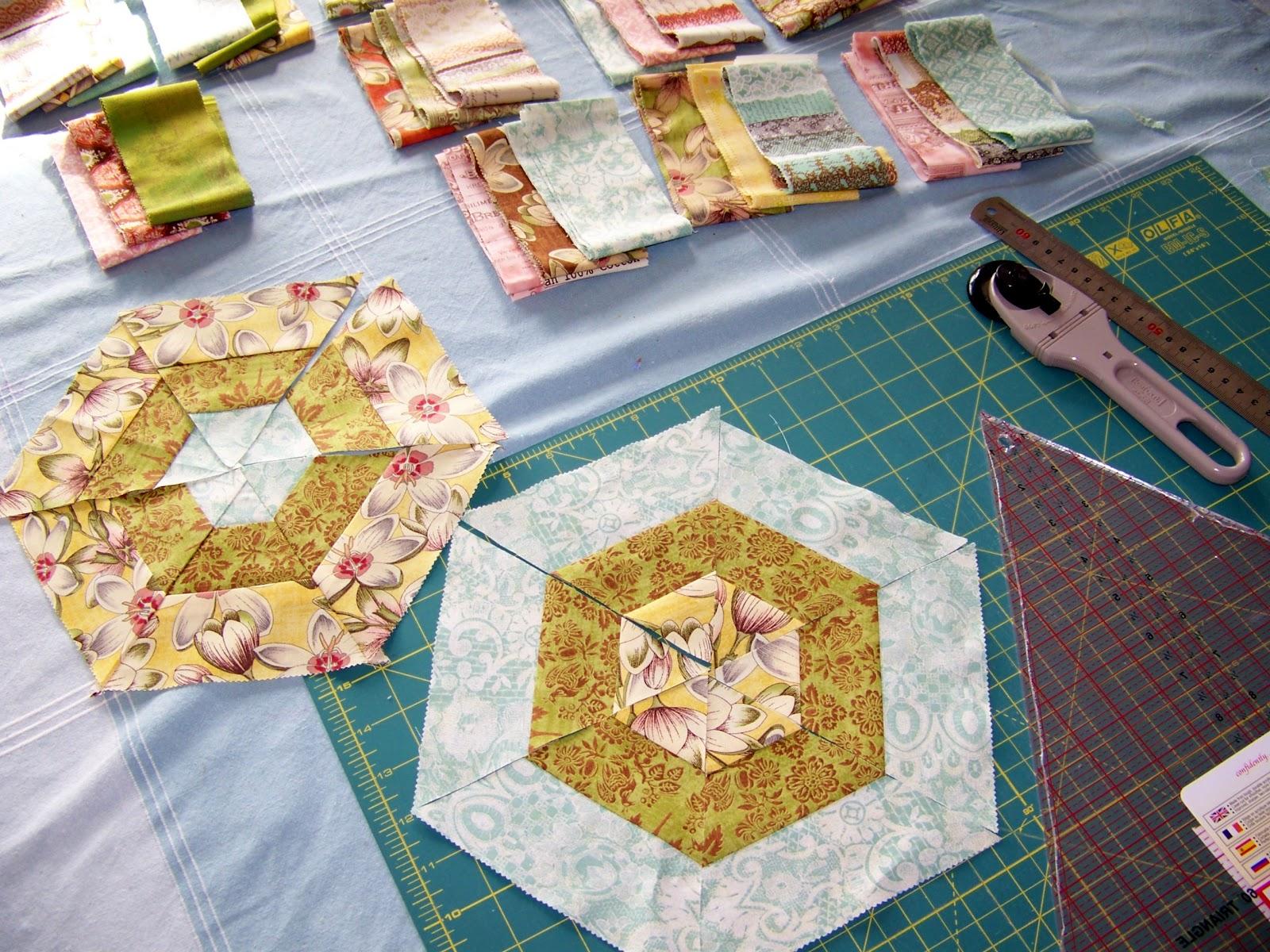 Cape Pincushion: Curio Merry Go Round Quilt project : merry go round quilt pattern - Adamdwight.com