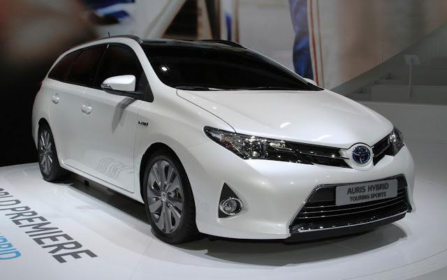 http://1.bp.blogspot.com/-UXOVtsqT_v8/USTz_EY0QKI/AAAAAAAAUIE/pQlhSQ0sDDE/s1600/Toyota-Auris-Hybrid-front-three-quarters.jpg