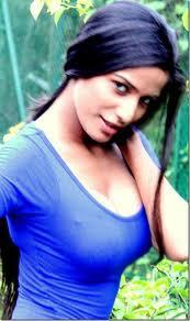 Poonam-Pandey-Hot-Pics-2