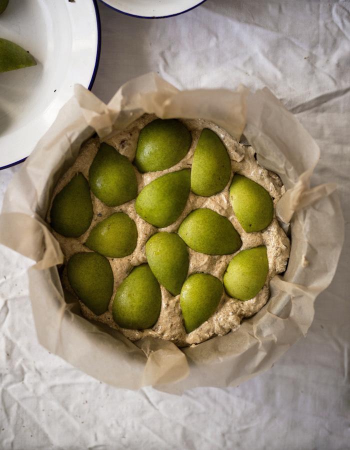 pear cake  photo by Kreetta Järvenpää blog: www.gretchengretchen.com