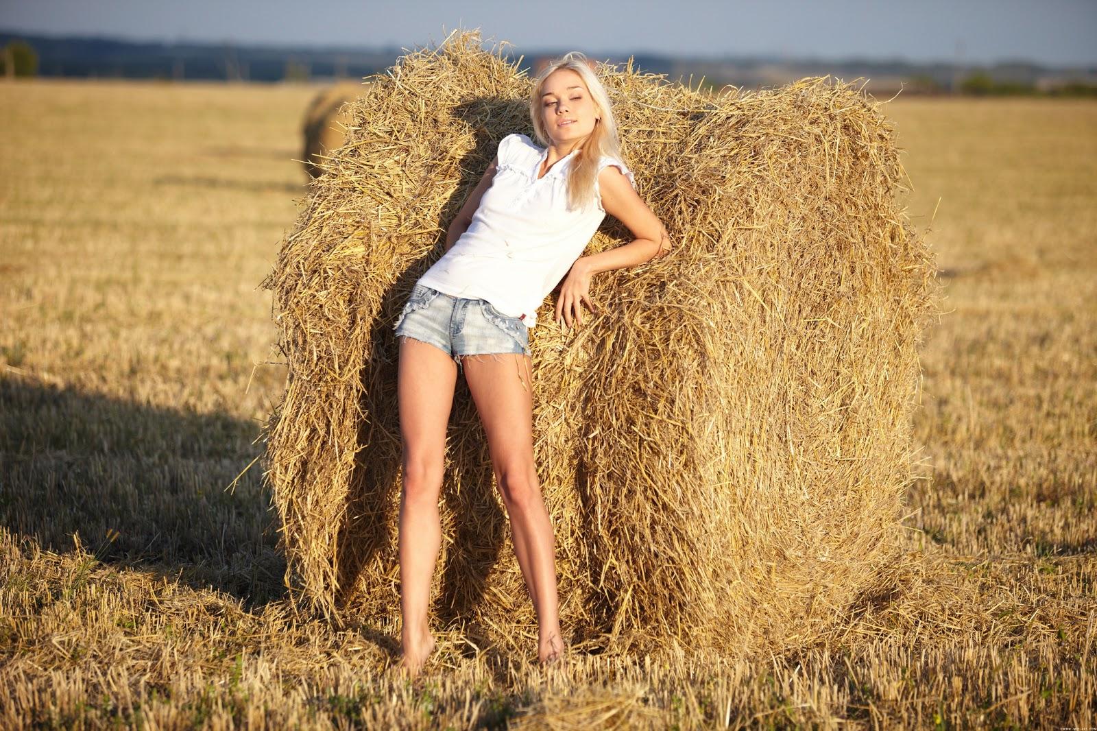 Фермер сеновал грудастая 6 фотография