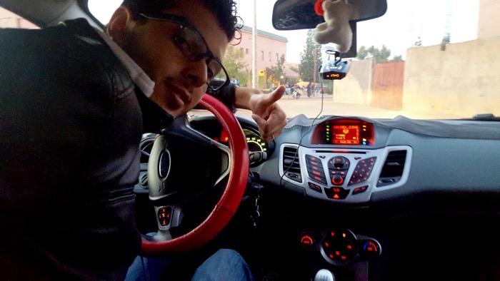 كيف  ترصد ردارات مراقبة سرعة السيارات حتى وإن كانت مخبأة عن بعد