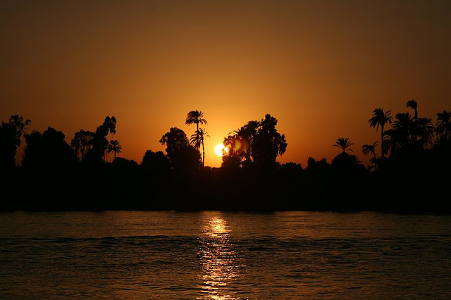 Beautiful-Nile-Sunset-Nile-Cruise-Egypt-2007-Sealiberty-Cruising