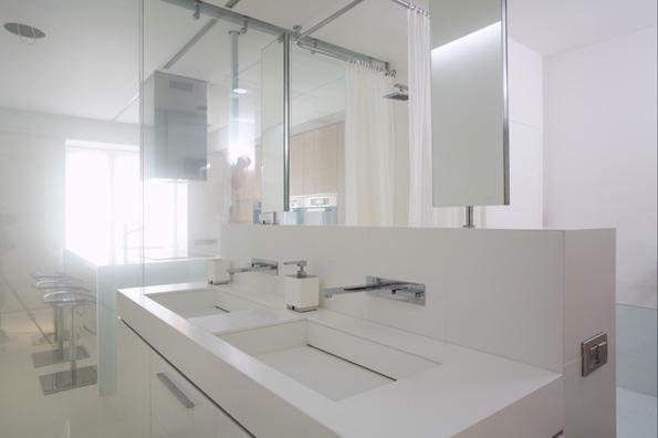 Современная и стильная ванная комната