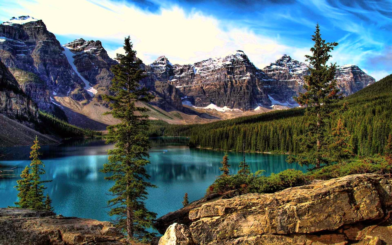 Moriane Lake, Banff National Park, Alberta, Canada