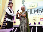 Filmfare South Awards 2013-thumbnail-10